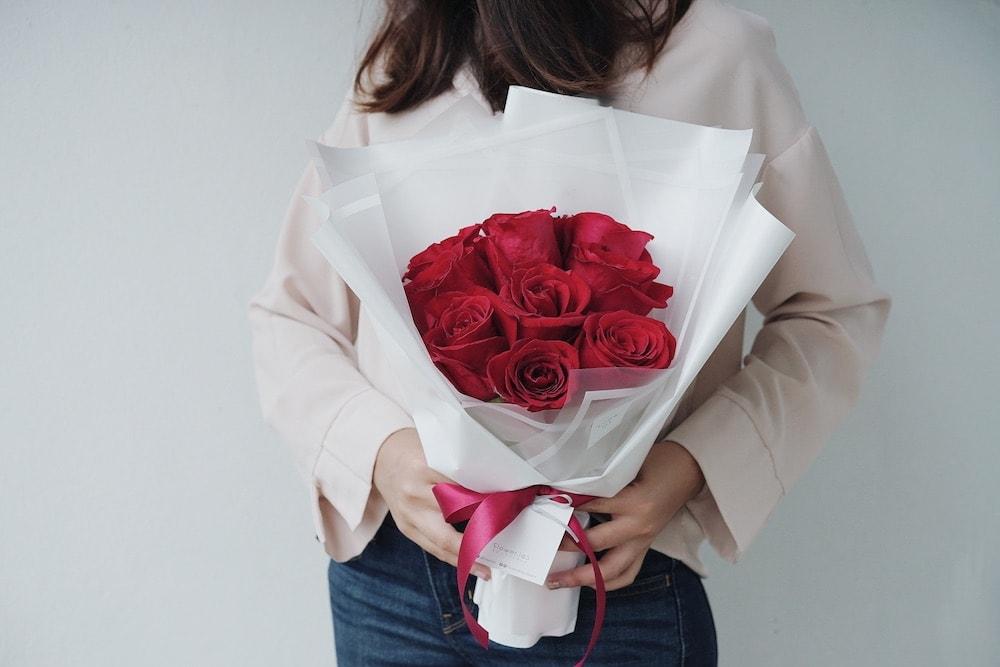 ช่อดอกไม้ - ดอกกุหลาบสีแดง