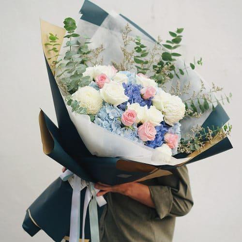 ช่อดอกไม้ ดอกกุหลาบ ดอกไฮเดรนเยีย สีขาว สีม่วง
