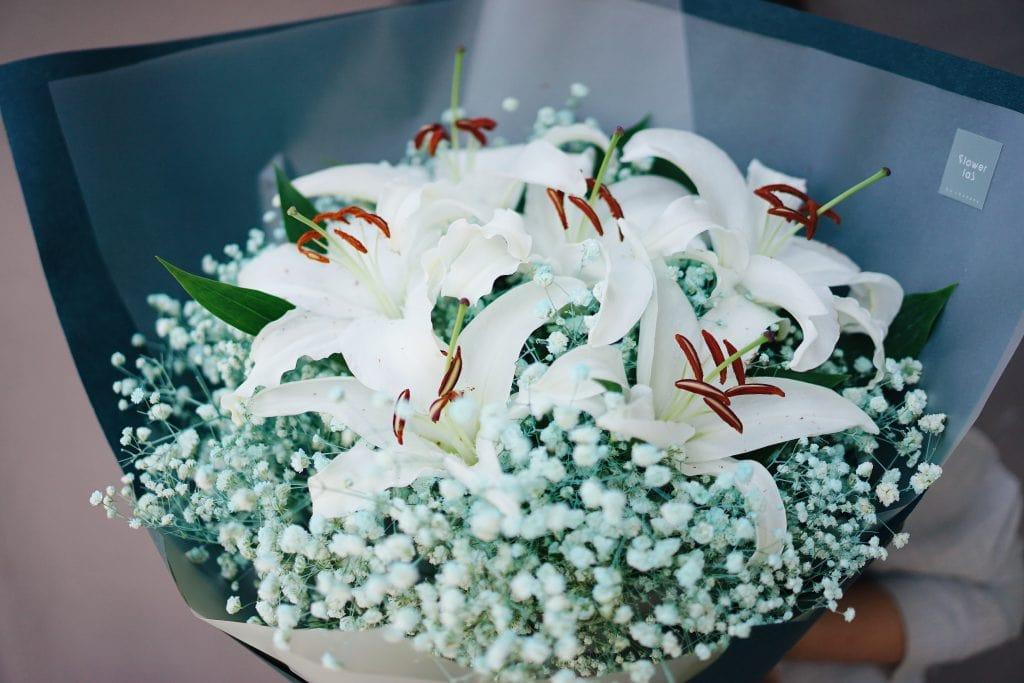 ช่อดอกไม้ - ดอกลิลลี่