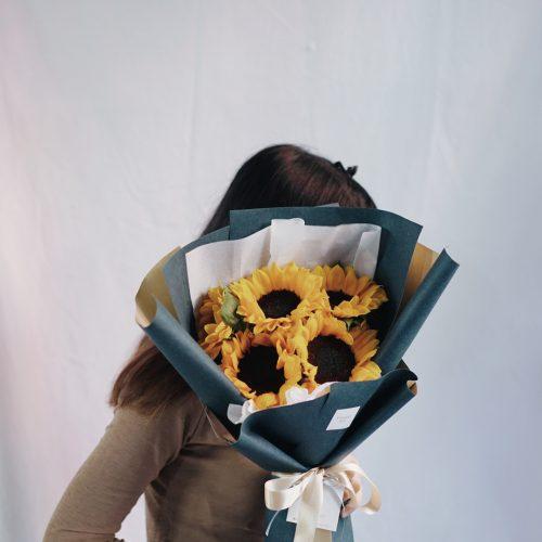 ช่อดอกไม้ ดอกทานตะวัน สีเหลือง ดอกไม้รับปริญญา ขนาดกลาง